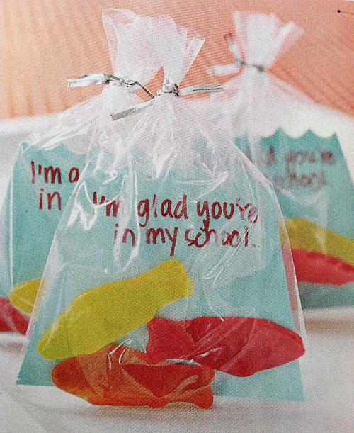 Source: http://www.simpleorganizedliving.com/2013/01/24/two-so-simple-diy-valentines-day-cards/