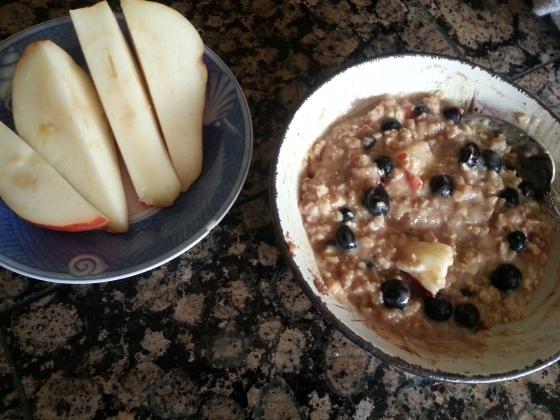 oatmeal pear blueberries
